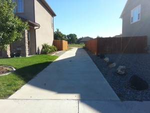 Local subdivisions have sidewalks that lead between houses right onto the banks of the canals